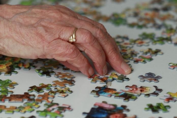 Activité de mémoire pour personnes âgées