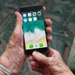seniors : comment choisir votre smartphone ?